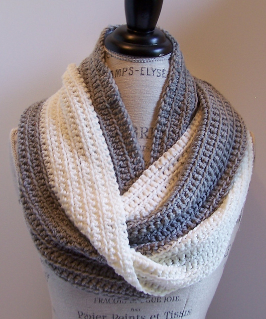 Mollie Infinity Scarf
